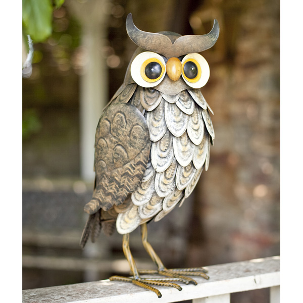La Hacienda Steel Realistic Animal - Wise Owl