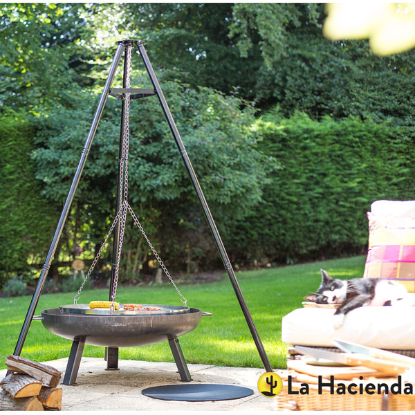 La Hacienda Tripod With Adjustable Chrome Hanging Grill