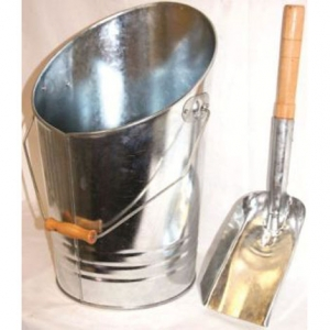 Inglenook Galvanised Bucket & Shovel With Wooden Handle